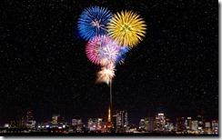 花火、東京、東京タワー (Fireworks and night view of Tokyo Tower, Tokyo, Japan)
