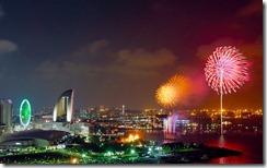 花火、横浜 (Fireworks display over Yokohama, Kanagawa, Japan)