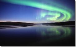 Aurora over Nitsutlin Bay/Aurore sur la baie de Nitsutlin, Teslin, Yukon