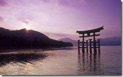 安芸の宮島 (Torii Gate of Itsukushima Jinja Shrine)