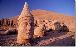 Kral Antiochus'un Dev Heykeli , Nemrut Dağı , Adıyaman, Türkiye (Colossal Head of Antiochus I, Nemrut, Adıyaman, Turkey)