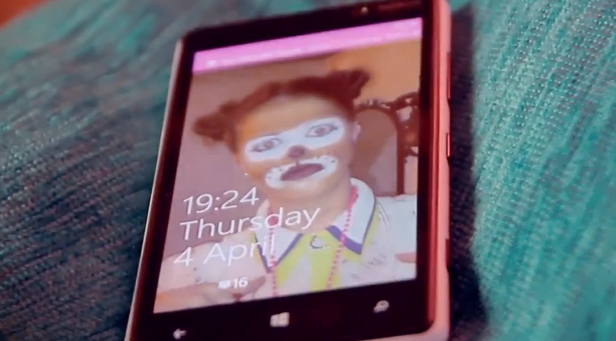UK Fan Creates Own Commercial that Prevents a Fashion Disaster with Windows Phone
