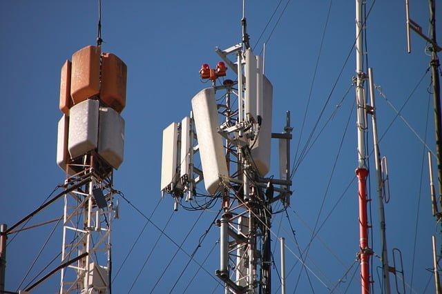 ATT MicroCell Saves the Cellular Reception Day